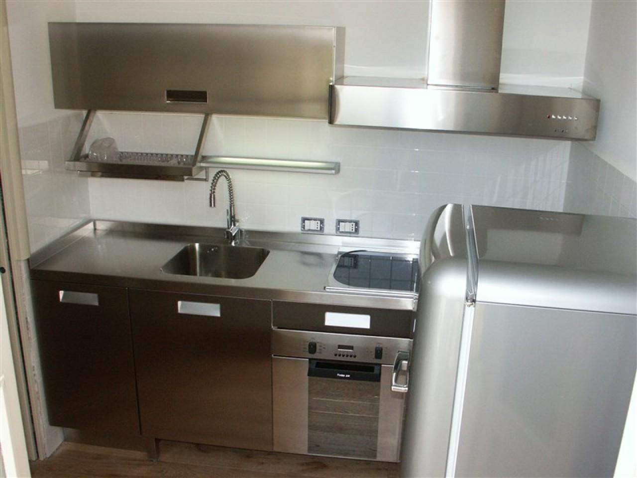 Cucina acciaio inox angolare progetti borlina acciaio - Cucina acciaio inox ...