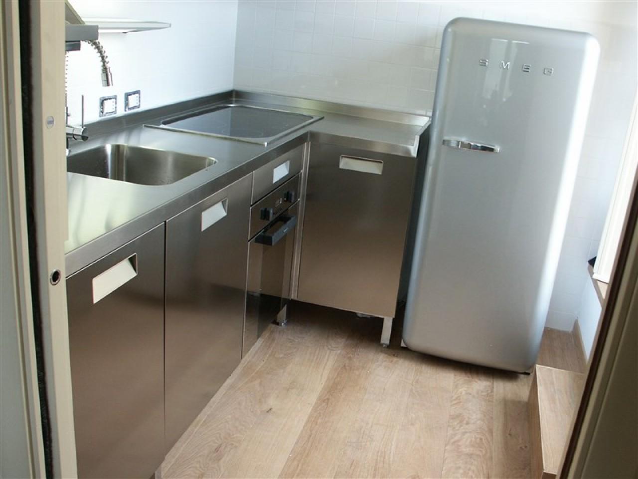 Cucina acciaio inox angolare progetti borlina acciaio - Cucina in acciaio inox ...