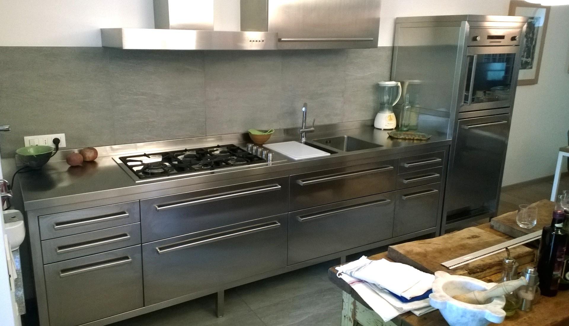 Mobili Cucina Professionale Acciaio.Cucine Acciaio Inox Borlina Acciaio