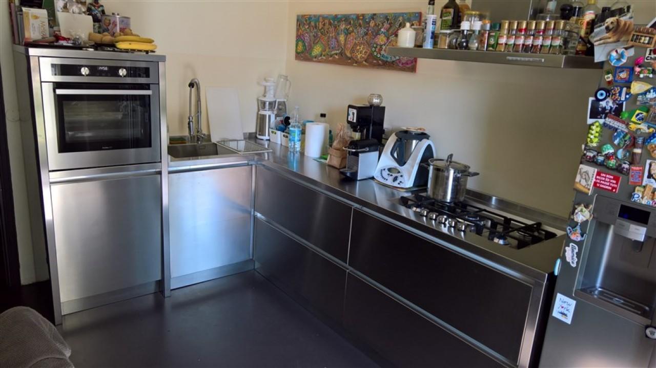 Cucina acciaio inox gola angolare | Progetti Borlina Acciaio